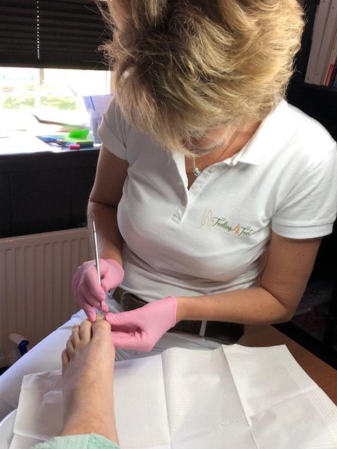 Medisch pedicure Erika van Halen van Feeling4Feet geeft uw voeten de behandeling die ze nodig hebben.